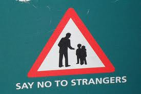 Avoid-talking-much-to-strangers